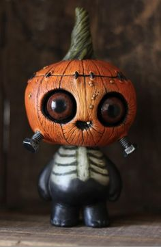 Fantasy | Whimsical | Strange | Mythical | Creative | Creatures | Dolls | Sculptures | Artist: Chris Ryniak