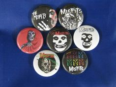 MISFITS PUNK ROCK BAND 7 NEW PINS BUTTONS BADGE