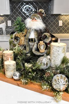 christmas centerpieces Easy and Elegant Christmas Decorating Ideas - Home with Holliday Elegant Christmas Decor, Silver Christmas Decorations, Woodland Christmas, Christmas Tablescapes, Gold Christmas, Rustic Christmas, Winter Christmas, Christmas Home, Christmas Crafts