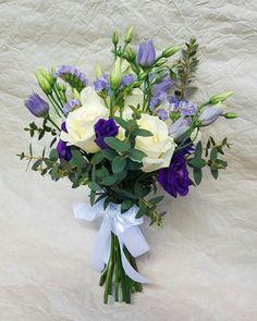Свадебный букет бело-фиолетовый #букетневесты #свадебныйбукет #эустома #розы #букеткиев #иващенкоджуваго www.flourist.io.ua