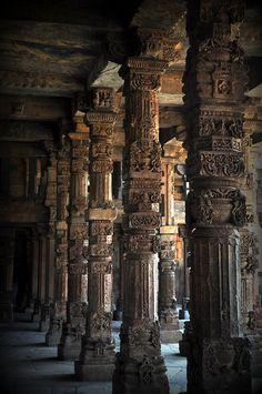 ✮ Qutub Minar - New Delhi, India. Architecture was amazing here! New Delhi, Delhi India, Jaipur India, India Architecture, Ancient Architecture, Amazing Architecture, Places Around The World, Around The Worlds, Golden Triangle India