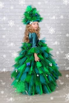 The Effective Pictures We Offer You About kids costumes group A quality picture can tell you many th Homemade Halloween Costumes, Holiday Costumes, Fancy Costumes, Carnival Costumes, Dyi Costume, Christmas Tree Costume, Halloween Disfraces, Ugly Christmas Sweater, Fancy Dress
