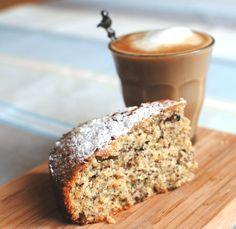 Simpele hazelnoottaart. Een supersimpel, smeuïg klein taartje dat je maakt met eenvoudige ingrediënten.