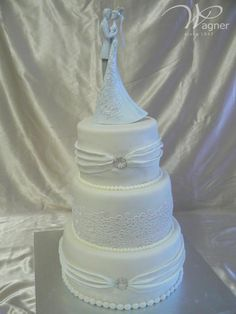 Romantic figure on the top of the cake