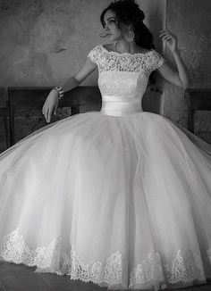I'm in love with it! :) 2014 New White/Ivory Wedding dress Ball Gown Size 4 6 8…