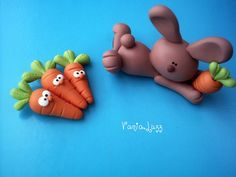 Carrot catching bunny make as a cake topper on your Easter cake