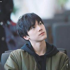 Como assim?? Ele parece com o Jin naquela linda epoca que o Jin era Moreno ;-; ❤ #Ten #NCT #Kpop