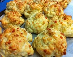 I love making these cheese scones to have with soup Thermomix Scones, Thermomix Desserts, Cheese Scones, Savory Scones, Gf Recipes, Snack Recipes, Cooking Recipes, Scone Recipes, Bellini Recipe