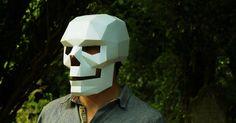 ペーパークラフト素材のPDFデータをEtsyで販売しているWintercroftのマスクをご紹介します。販売されているデータから自分で作成しなければなりませんが、そのペーパークラフトマスクの出来を見る限り、「あれ?ちょっとほしい…」と思えてしまうレベルのマスクなのです。