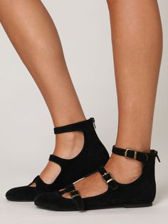 Cra-zee cool. I had some similar shoes like this in the 80's and I want these!