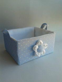 cesta en pique azul y blancos 9€ https://www.facebook.com/pages/Cajasenteladas/565939910162236