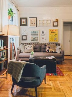 A Cozy Brooklyn Apartment for an Artist and Teacher | Design*Sponge
