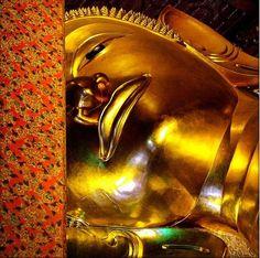 Declining Buddha image at Wat Pho