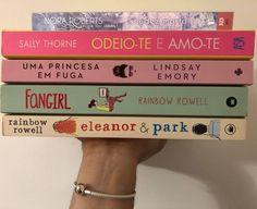 #nudezmortal #nakedindeath #jdrobb #jdrobbindeathseries #noraroberts #norarobertsbook #sallythorne #sallythorneauthor #thehatinggame #odeioteeamote #lindsayemory #umaprincesaemfuga #theroyalrunaway #rainbowrowell #fangirl #eleanor&park #bookaesthetic #bookaddict #bookaholic #bookstagramsofportugal #bookphotography #portugueseblogger The Hating Game, Eleanor And Park, Rainbow Rowell, Nora Roberts, Book Aesthetic, Book Photography, Bookstagram, Fangirl, Posts
