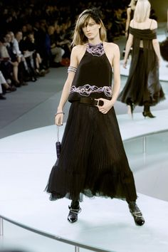 Chanel - Ready-to-Wear - Spring / Summer 2002