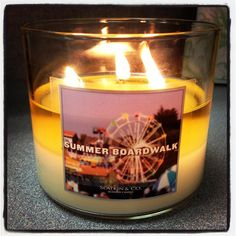 This #FragranceFan is bringing the scents of summer to their home with our NEW Summer Boardwalk Candle! <3