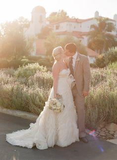 Sunset kiss: http://www.stylemepretty.com/2014/07/24/sunny-al-fresco-wedding-in-ojai/   Photography: Michael & Anna Costa - http://www.michaelandannacosta.com/
