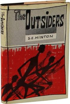 Hinton the writer of the Novel The Outsiders was 15 when she started writing the book 16 when she finished most of it and 18 when it was published. Die Outsider, Good Books, My Books, Story Books, Traditional Literature, Most Viral Videos, Reluctant Readers, Young Adult Fiction, Today In History