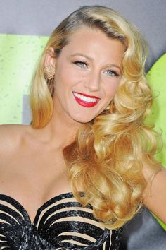 Check Blake's bombshell hair