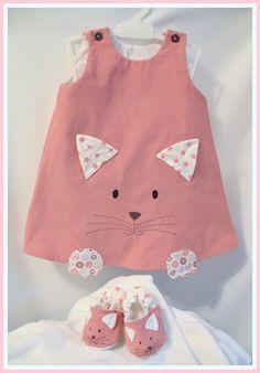 """Robe velours """"petit chat"""" version hiver du 3 mois au 12 mois (sur commande) : Mode Bébé par petite-pomme-et-mini-chouette"""