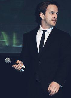 Richard Speight Jr. in a suit, ladies, please.