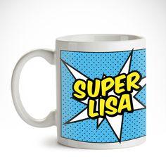 Superheldinnen haben's schwer. Auch, wenn sie sich nicht zufällig mit Superbösewichten anlegen: Ein Koffeinschub hin und wieder kann nicht schaden. Gut, dass es unsereComic Tasse für Frauen - Personalisiert - Comic Becher bedruckt gibt.