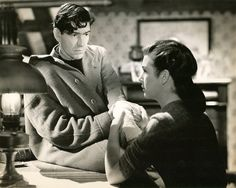 Denis O'Dea and Kathleen Ryan in Odd Man Out (Carol Reed, 1947)