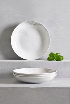 The marble trend isn't going anywhere which is why we are LOVING these pasta dishes with the well-loved print. The marble trend isnt going anywhere which is why we are LOVING these pasta dishes with the well-loved print. Pasta Bowl Set, Kitchenware, Tableware, Coffee Cup Set, Marble Effect, Buy Kitchen, Side Plates, Dinner Sets, Bowls