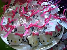 A friend had her baby's christening and they're having a Hello Kitty themed reception for her baby. So, I decided to make these cookies for her give aways. Chocolate Sugar Cookie Recipe, Sugar Cookies Recipe, Yummy Cookies, Chocolate Cookies, Cake Cookies, Cookie Recipes, Cookie Ideas, Cupcakes, Hello Kitty Fondant