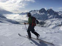 Freerando, ski de randonnée (ou ski de rando), deux expressions que vous avez peut-être déjà entendu si vous sortez régulièrement des pistes balisées. Mais y a-t-il une différence entre ces deux pratiques?