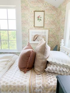The Sunday 7 - I see Texas, I see France. Cozy Bedroom, Girls Bedroom, Master Bedroom, Bedroom Decor, Big Girl Rooms, Kids Rooms, Studio Mcgee, How To Make Bed, Beautiful Bedrooms