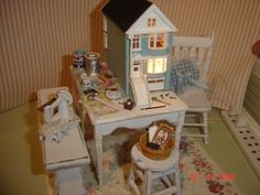 making a dollhouse vignette **Dollhouse for a dollhouse.  This is just to cute