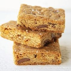 Salted Caramel Apple Fritter Bread Chocolate Chip Blondies, Chocolate Chip Cookie Dough, Chocolate Chips, White Chocolate, Dessert Bars, Dessert Recipes, Desserts, Bar Recipes, Postres