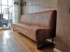 Dining Table Bench Seat, Dining Nook, Deco Restaurant, Restaurant Seating, Home Bar Designs, Booth Seating, Modern Couch, Coffee Shop Design, Restaurant Interior Design