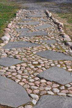 Human path Source by tuijaservo - Garden Pathway Garden Yard Ideas, Garden Paths, Garden Projects, Landscaping With Rocks, Front Yard Landscaping, Garden Floor, Garden Stepping Stones, Unique Gardens, Garden Care
