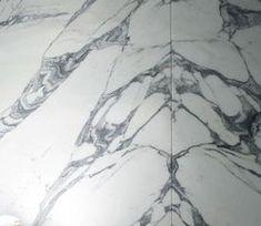 #KohlerUK #Bathrooms #bathroomdesign #bathroomideas #bathroomtrends #trends #design #tiles #marble #bathroomtiles