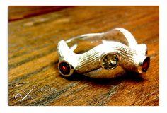 Anello in argento con pietre. Creato in cera persa. Handmade. By extrême.