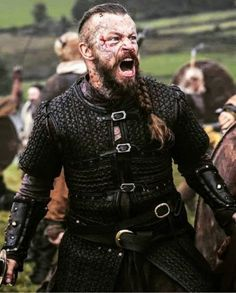 Harald Fairhair was rejected by the princess. She thought that she deserved a man better than Harald. From that moment on, Harald Fairhair made a vow that he would have this woman as his wife after he had united Norway under a single banner. And until the day he became the King of Norway, he would never comb his hair [...] Floki, Ragnar Lothbrok, Lagertha, Viking Pictures, Viking Shop, King Ragnar, Vikings Tv Show, Viking Bracelet, Viking Warrior