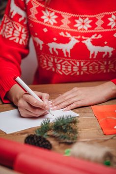 Learn how to send Christmas cards your customers will love.