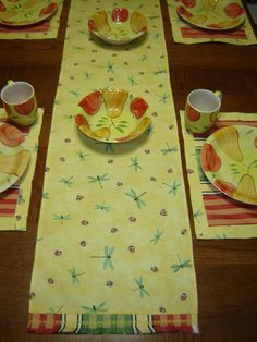 Dragonfly table runner and placemat set for springtime table. Great for Mother's Day meal or gift. Runner fringed ends match mat centers. by PatTsPockets on Etsy