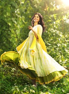 #shadesofspring #lemonyellow #green Welcome spring in style!