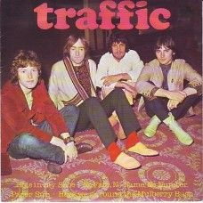 """7"""" 45RPM Hole In My Shoe EP by Traffic from Island Records (IEP 7)"""