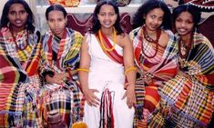 Cultural assimilation in America and two interesting Somali boys African Beauty, African Women, Cultural Assimilation, Somali Wedding, African American Weddings, Native American, African Textiles, African Culture, Traditional Dresses