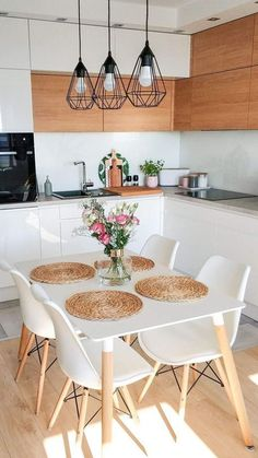 34 Gorgeous Small Kitchen And Dining Room Design Ideas - Just because all you have is a small kitchen, that does not excuse your from bringing room's advantage. The call of small dining room tables had happe. Small Apartment Kitchen, Home Decor Kitchen, Kitchen Interior, Home Kitchens, Kitchen Ideas, Diy Kitchen, Apartment Living, Kitchen Cabinets, White Home Decor
