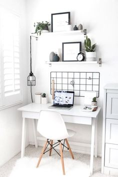 Cute Desk Decor Ideas for your dorm or office! desk decor ideas cute chic office homedecorideas : Cute Desk Decor Ideas for your dorm or office! desk decor ideas cute chic office homedecorideas is part of Minimalist living room design - Home Office Design, Home Office Decor, Office Ideas, Office Designs, Workplace Design, Office Inspo, Office Chic, Cute Desk Decor, Work Desk Decor