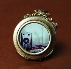 Old Memories - Photo Locket
