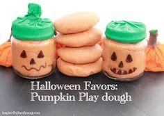 A Mom Not a Professional Nor a Perfectionist: Halloween Favors: Pumpkin Play Dough