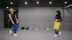 Hip Hop Dance Videos, Dance Choreography Videos, Kpop Girl Groups, Kpop Girls, Levi Miller, Cool Dance Moves, Dance Kpop, Blackpink Video, Dance Studio