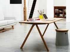 Rectangular oak dining table FLOW by Universo Positivo | design Lara