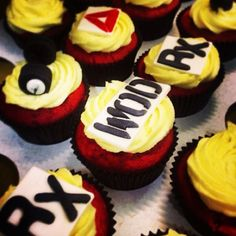 Now these would be worth cheating on! Easy Cake Recipes, Cupcake Recipes, Cupcake Cakes, Cupcakes, Crossfit Cake, The Wod Life, Muffin, Yummy Cakes, Cookie Decorating